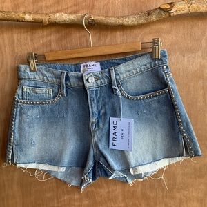 Frame le studed jean shorts